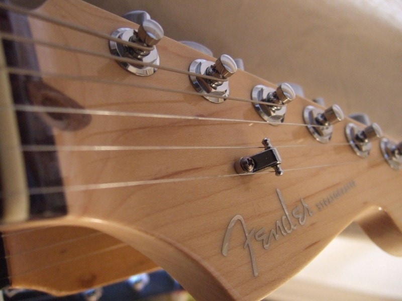 Stratocaster headstock string tree upgrade