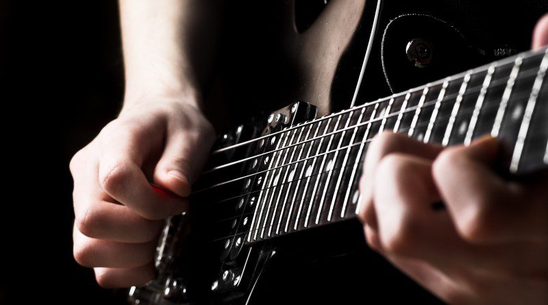 Can I Play Fingerstyle On The Electric Guitar?